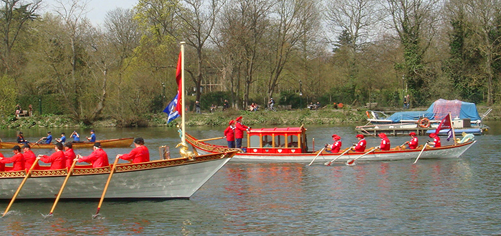 Alongside Gloriana, 2013 Tudor Pull